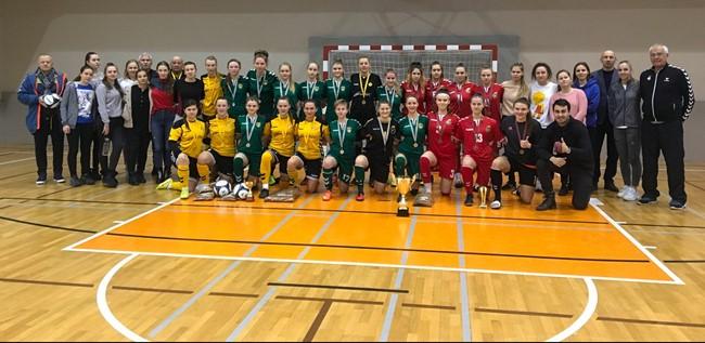 Studenčių salės futbolo turnyrą laimėjo Šiaulių universiteto merginos