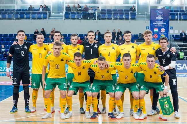 Dviejų įvarčių deficitą panaikinusi Lietuvos futsal rinktinė pergalingai pradėjo Europos čempionato atrankos turnyrą