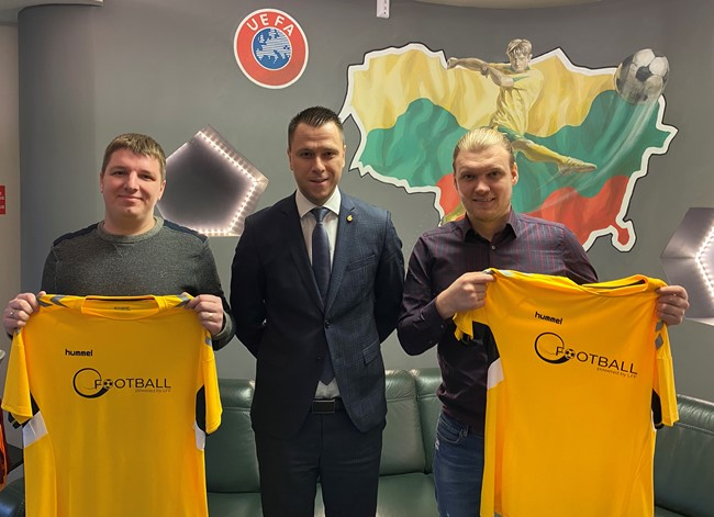 Istorinis pasiekimas: Lietuvos efutbolo rinktinė – tarp stipriausių Europoje