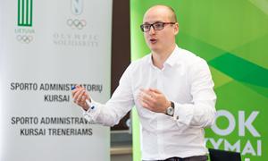 Lietuvos efutbolo rinktinės gretas papildė sporto psichologas A. Liachovičius