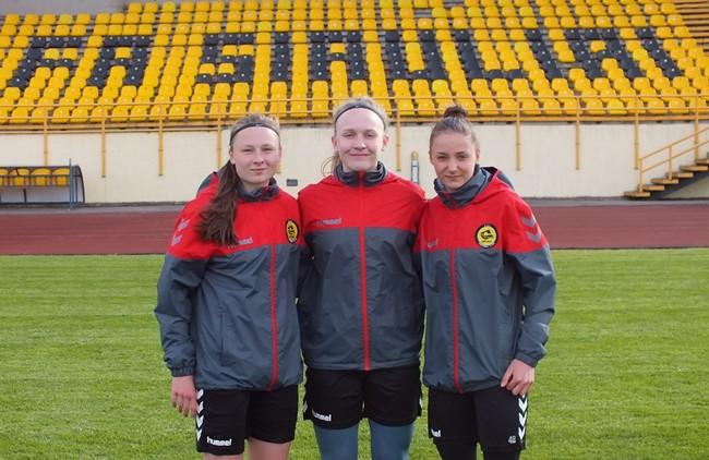 """Trys jaunosios futbolininkės susiejo ateitį su """"Gintra-Universitetu"""""""