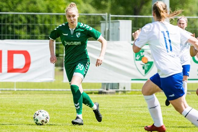 """J. Sabatauskaitė: """"Sekmadienį laukia lietuviško moterų futbolo derbis"""""""