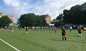 Atvirojoje treniruotėje LFF stadione – dar daugiau merginų