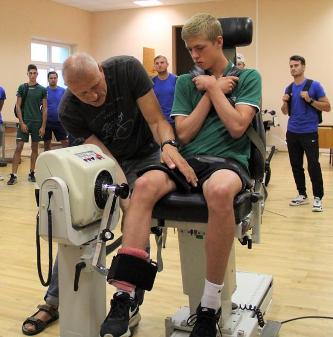Modernūs testai futbolo aikštėje ir laboratorijoje – fizinio rengimo trenerių mokymų dalis