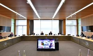 UEFA konferencijos metu nuspręsta rungtynes žaisti be sirgalių