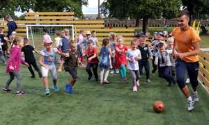 """""""Futboliukas"""" naujame sezone planuoja įtraukti daugiau nei 9300 vaikų"""