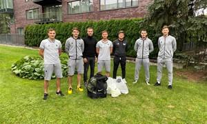 """Lietuvos futbolo rinktinės žaidėjai prisidėjo prie """"Vilnius social club"""" veiklos"""