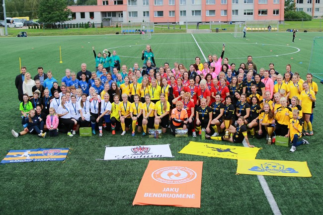 Plungėje surengta moterų futbolo fiesta