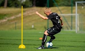 Atvirosios jaunųjų futbolininkų treniruotės atsinaujins Vilniuje