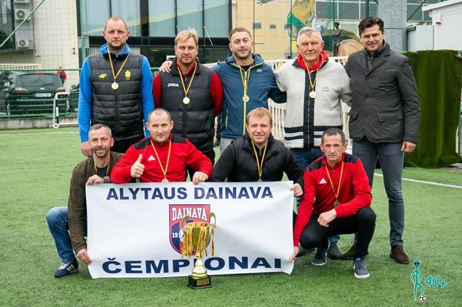 Baigėsi pirmasis veteranų 40+ mažojo futbolo pirmenybių sezonas