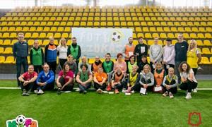 """""""Futboliuko"""" seminare sostinės auklėtojams – žinios ir užduotys aikštelėje"""
