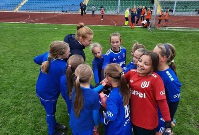 Jaunosios futbolininkės rungėsi Alytuje ir Utenoje