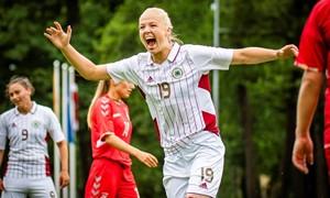 """""""Gintros"""" gretose – Latvijos rinktinės žaidėja K. Miksone"""
