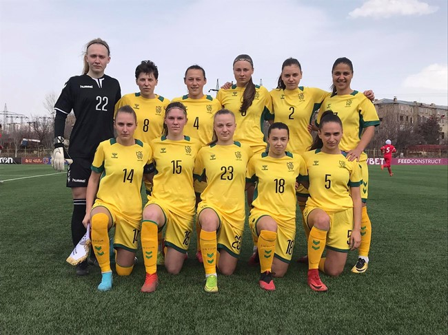 Lietuvos moterų rinktinė pergalingai pradėjo tarptautinį turnyrą Armėnijoje