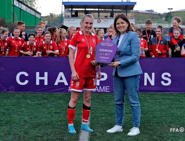 """Turnyrą Armėnijoje laimėjusios rinktinės kapitonė M. Liužinaitė: """"Grįžome pasikrovusios geros patirties ir įspūdžių"""""""