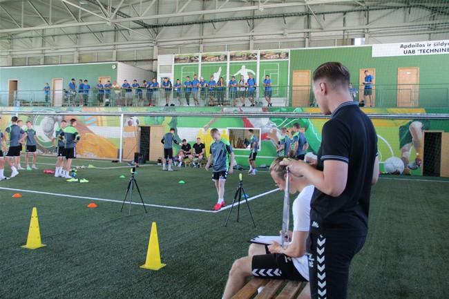 Futbolo atletinio rengimo mokymų sertifikatą įgijo 31 dalyvis