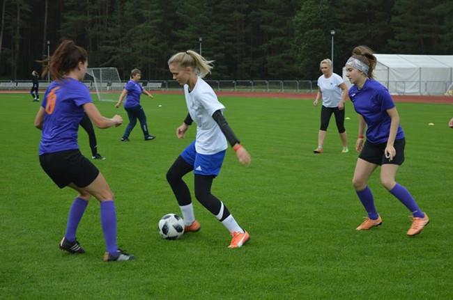 Startuoja Utenos regiono moterų futbolo pirmenybės