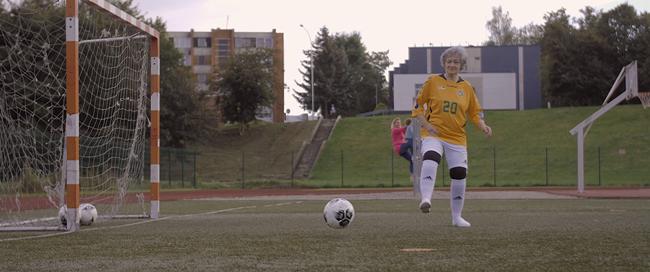 """Naują futbolo rūšį vyresniems išbandžiusi Rita: """"Atrodo tiesiog pakyli nuo visko"""""""