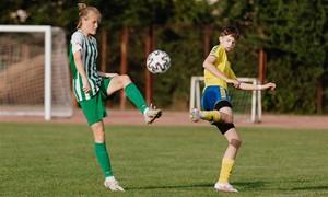 """A lygos debiutantė G. Ulenskaitė: """"Trenerė padarė taip, kad futbolu gyvenu 24 valandas per parą"""""""