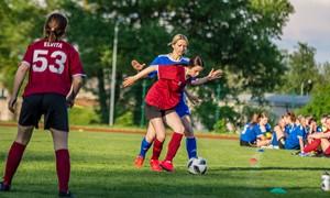 Rokiškyje ryškiausiai spindėjo Švenčionių ir Jūžintų futbolininkės