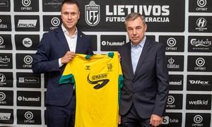 """Lietuvos moterų futbolo rėmėjų gretas papildė """"Spark Energy Baltic"""""""