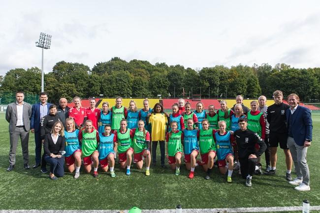 LFF stadione lankėsi FIFA generalinė sekretorė Fatma Samoura