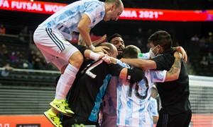 Pasaulio salės futbolo čempionato trylikta diena: pusfinalyje sulauksime įspūdingo Pietų Amerikos gigantų derbio